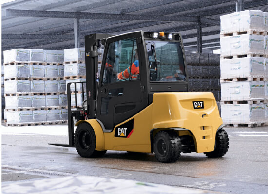 Lithium-Ion Cat lift trucks