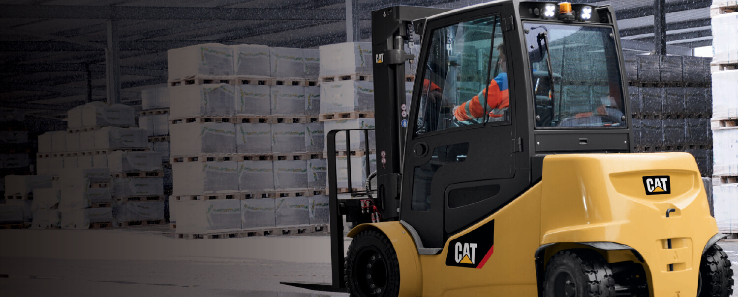 Cat electric counterbalanced forklift in outdoor warehouse