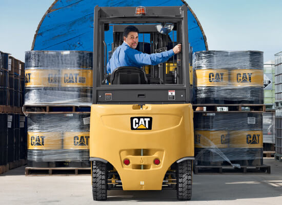 Cat 2EPC5000 Operator Backing Up