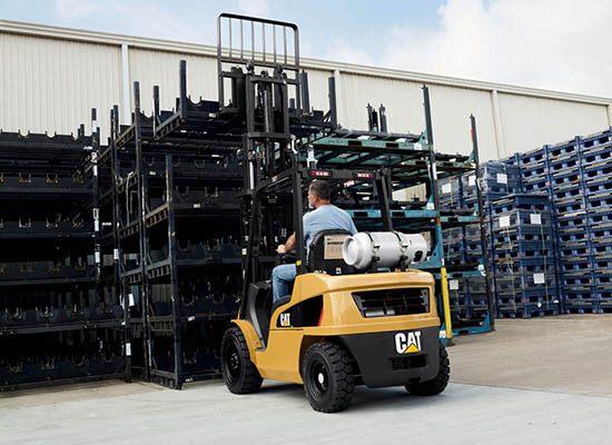 Cat GP15N fork truck