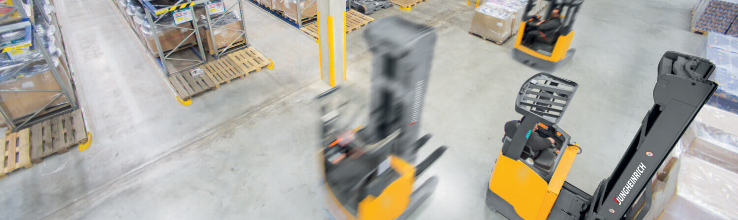 Jungheinrich forklift in narrow aisle