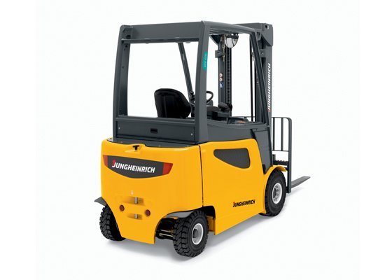 Jungheinrich EFG425 four wheel forklift picking up pallet