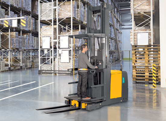 EKS 208 Mid- to High-Level Order Picker