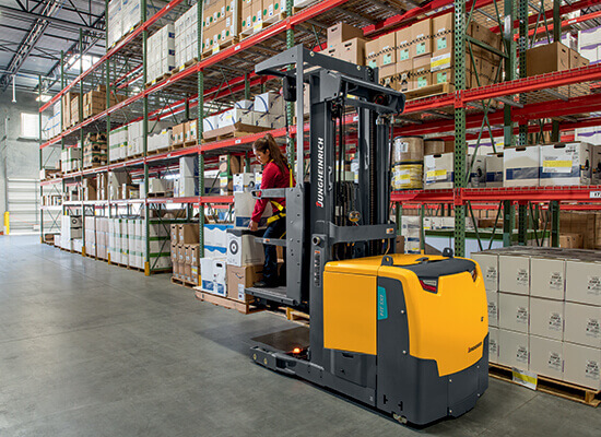 EKS 314 High-Level Order Picker in warehouse