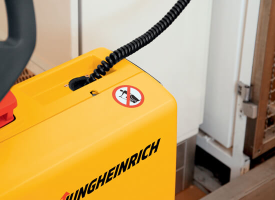 Jungheinrich EMC110 charger cable for straddle stackers
