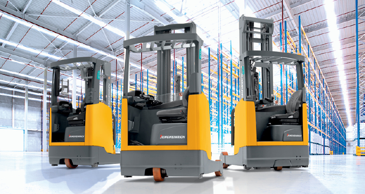 3 Jungheinrich forklifts in a row