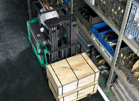 Mitsubishi FBC15N carrying wodden boxes